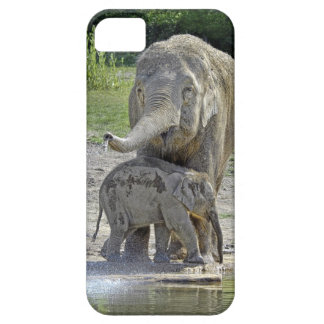 Elephant Baby Gets Shower iPhone 5 Cases