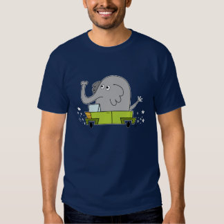 Elephant Driving a Car - Men's T-Shirt