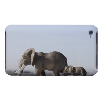 Elephant Family background blue sky Case-Mate iPod Touch Case
