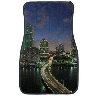 Elevated city skyline floor mat