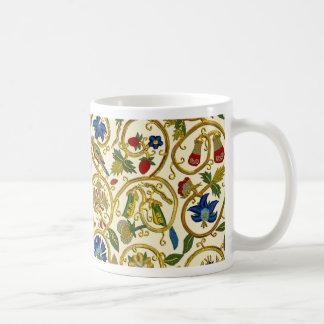 Elizabethan Swirl Embroideries - Goldwork imitatio Coffee Mug