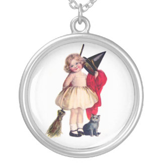 Ellen H. Clapsaddle: Little Witch with Cat Round Pendant Necklace