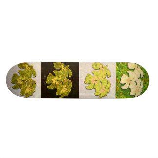 Emerald Hibiscus Skateboard