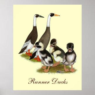 Emery Penciled Runner Duck Family Print