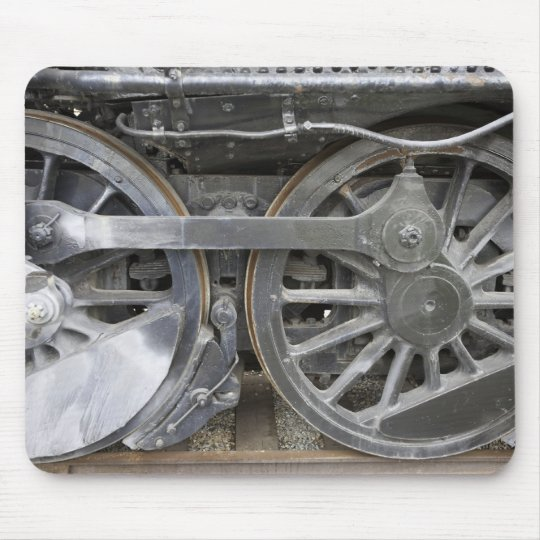 Engine Wheels Mouse Mat
