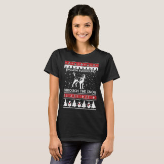 English Foxhound Through The Snow T-shirt