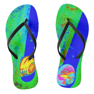 Enjoy in the snail speed flip flops