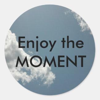Enjoy the moment classic round sticker
