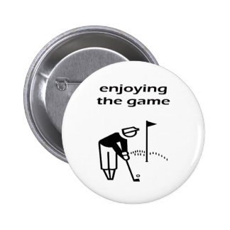 Enjoying The Game Golf Design 6 Cm Round Badge