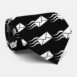 Envelope Express Minimal Tie