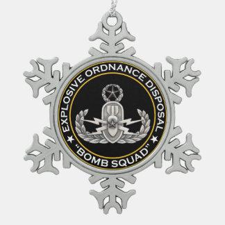 EOD Master Bomb Squad Snowflake Pewter Christmas Ornament