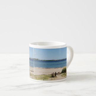 Espressotasse beach and sea