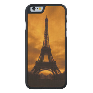 EU, France, Paris.  Eiffel Tower. Carved Maple iPhone 6 Case