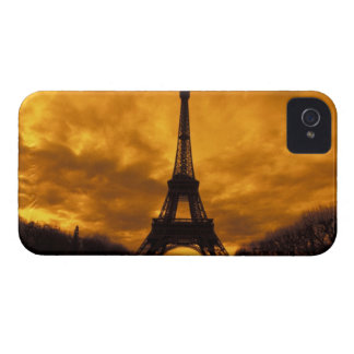 EU, France, Paris.  Eiffel Tower. iPhone 4 Case-Mate Case