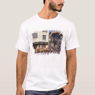 EU, France, Provence, Bouches-du-Rhone, Arles. T-Shirt
