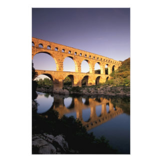 EU, France, Provence, Gard, Pont du Gard. Photo
