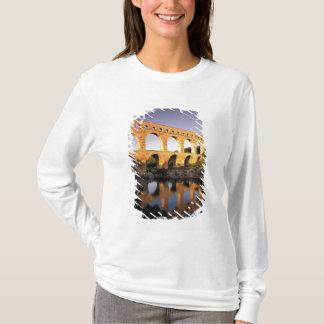 EU, France, Provence, Gard, Pont du Gard. T-Shirt