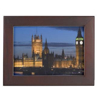 Europe, ENGLAND, London: Houses of Parliament / Keepsake Box