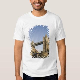 Europe,ENGLAND, London: Tower Bridge / Late Shirt