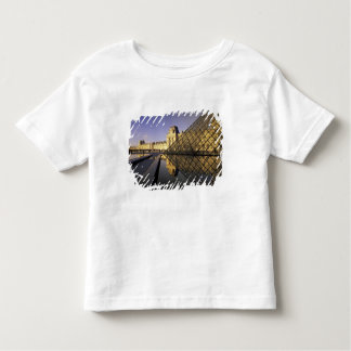 Europe, France, Paris. Le Louvre and glass Toddler T-Shirt