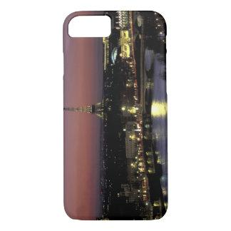 Europe, France, Paris, Sunset view of Eiffel iPhone 8/7 Case