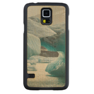 Europe, Iceland, JokUSArlon. Iceberg Formations Carved Maple Galaxy S5 Case