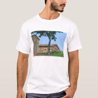 Europe, Italy, Tuscany, abandoned villa in T-Shirt
