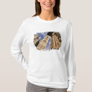 Europe, Italy, Tuscany, Florence. Piazza del 3 T-Shirt