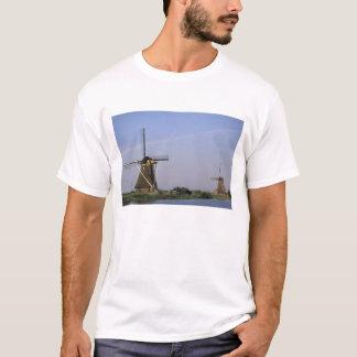 Europe, Netherlands, Zuid Holland, Kinderdijk. T-Shirt