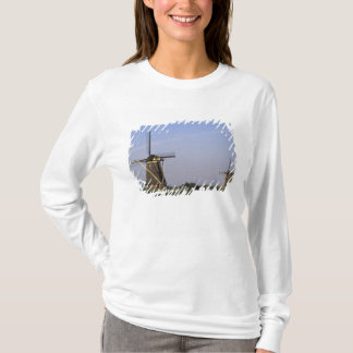 Europe, Netherlands, Zuid Holland, Kinderdijk. T-Shirt