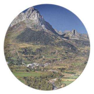 Europe, Spain, Sallent de Gallego. A small Plate