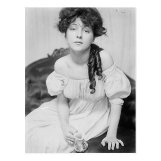Evelyn Nesbitt about 1900 Postcard