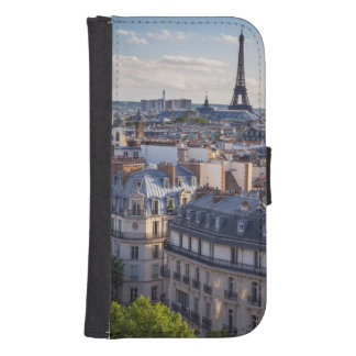 Evening sunlight over the buildings of Paris