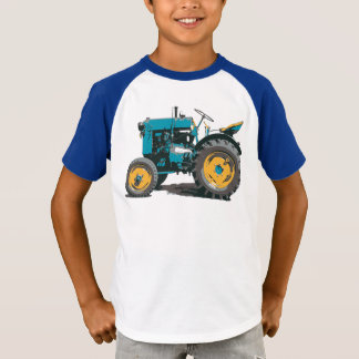 Everybody loves a big old tractor! T-Shirt