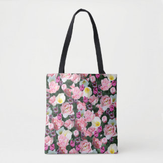 Everything's coming up tulips tote bag