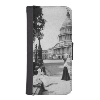 Exterior of the Capitol building with women iPhone SE/5/5s Wallet Case