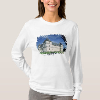 Exterior of the Chateau, built c.1546 T-Shirt