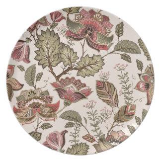 Extravagant red Flower Pattern Design Plates