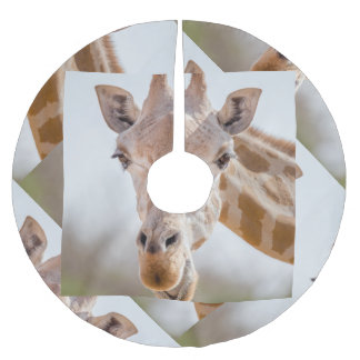 Eye contact with giraffe brushed polyester tree skirt