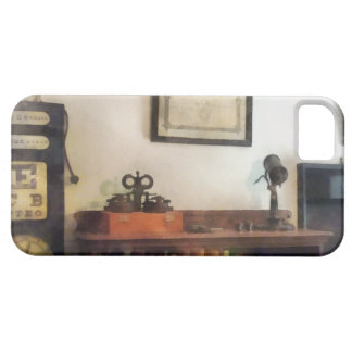 Eye Doctor's Office With Diploma iPhone 5 Cover