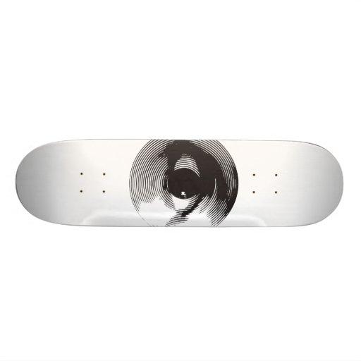 Eye in black skate board