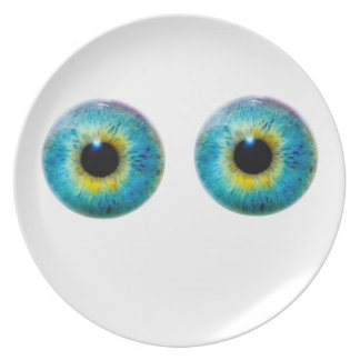 Eyes like saucers Plate