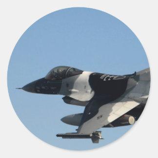 F-16 FALCON IN CAMO CLASSIC ROUND STICKER