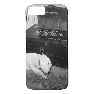 Faithful friend mourns American_War image iPhone 7 Case