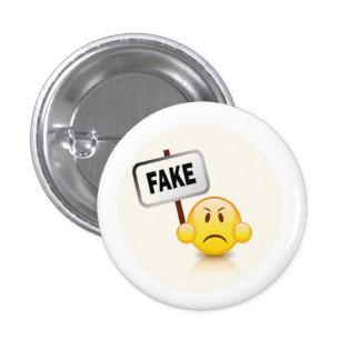Fake emoji 3 cm round badge