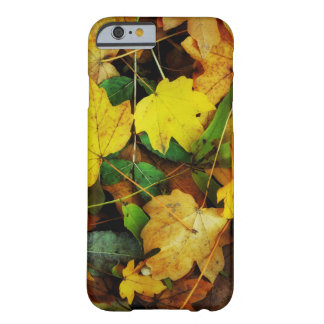 Fall-Themed Case - Golden Leaves