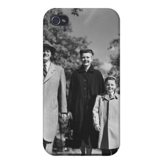 Family Walking iPhone 4/4S Cover