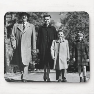Family Walking Mouse Pad