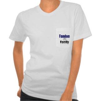 Fandom = family tshirt (pocket)