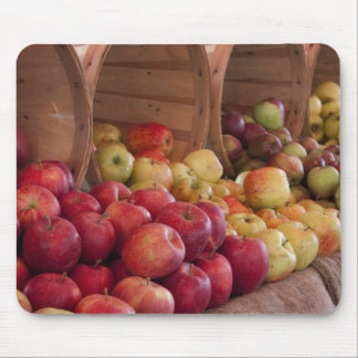 Farmer Market's Apples Mouse Pad